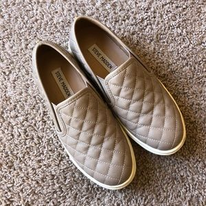 STEVE MADDEN Taupe slip on sneakers